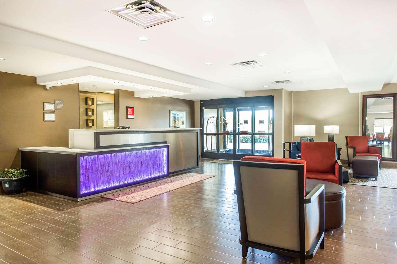 Lobby - Comfort Suites Clinton
