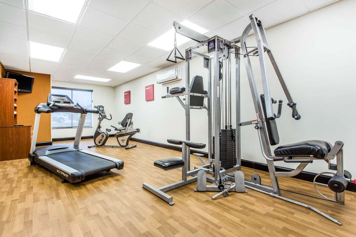 Fitness/ Exercise Room - Comfort Suites Clinton