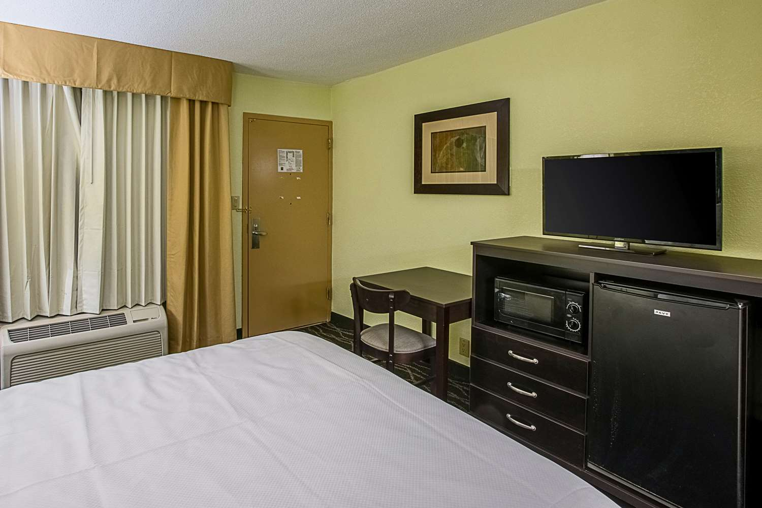 Room - Clarion Inn Airport West Columbia