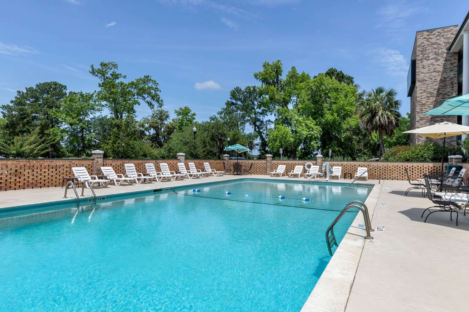 Pool - Quality Inn at Town Center Beaufort