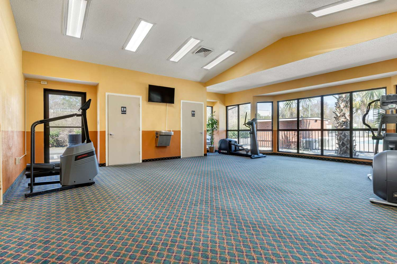 Fitness/ Exercise Room - Econo Lodge Florence