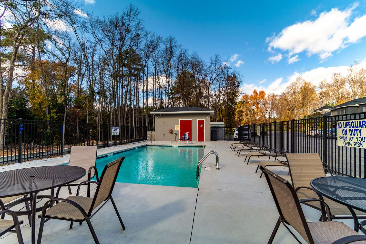 Pool - Econo Lodge Inn & Suites Cayce