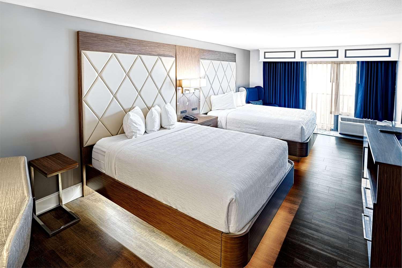 Room - Grand Hilton Head Inn