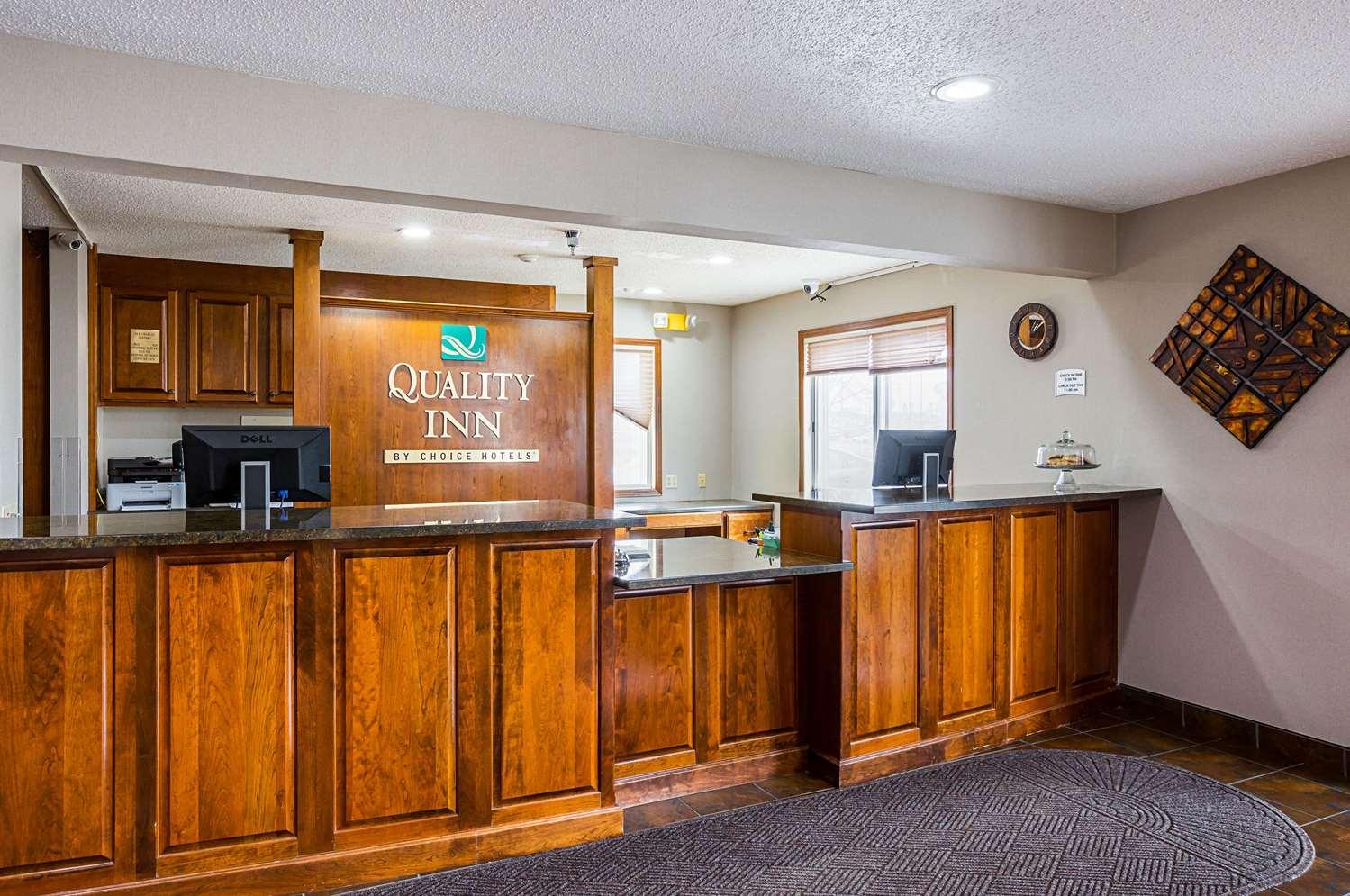 Lobby - Quality Inn Mitchell