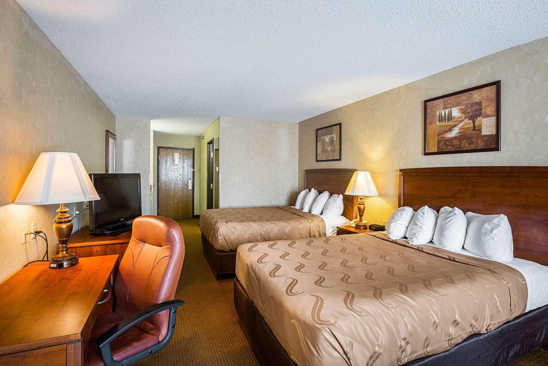 Room - Quality Inn Mitchell