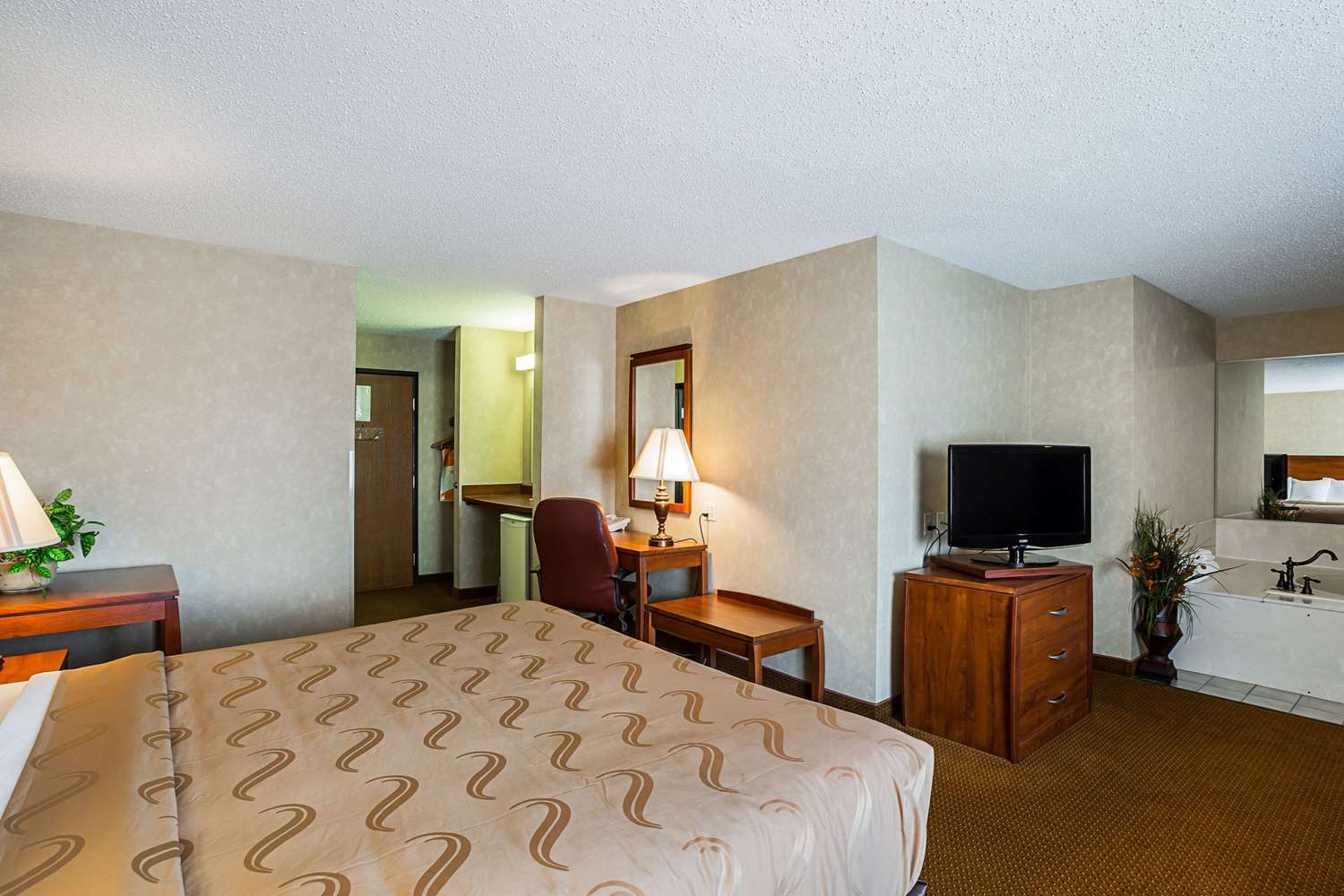 Suite - Quality Inn Mitchell
