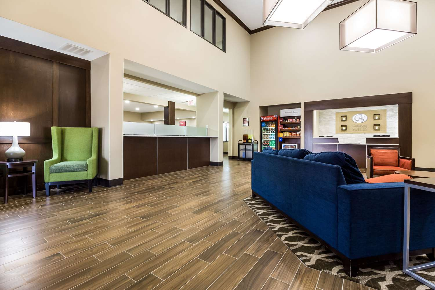Lobby - Comfort Suites Sioux Falls