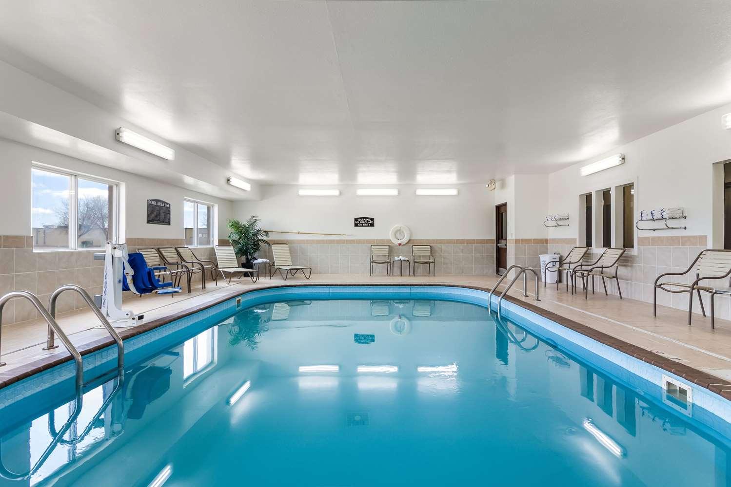 Pool - Comfort Suites Sioux Falls