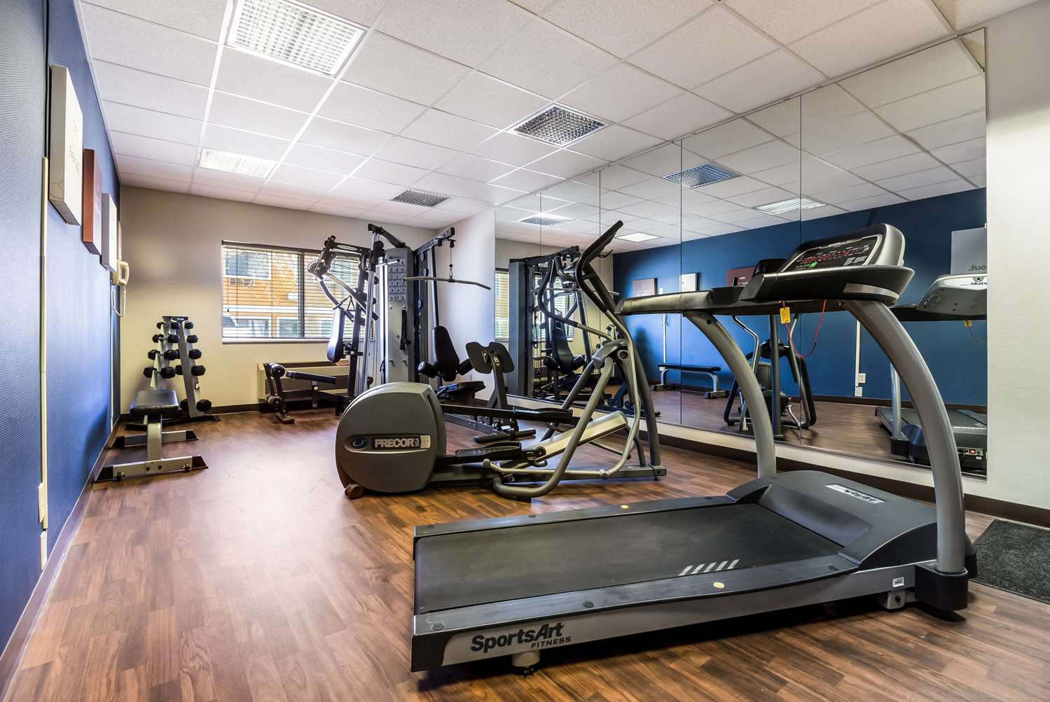 Fitness/ Exercise Room - Comfort Suites Sioux Falls