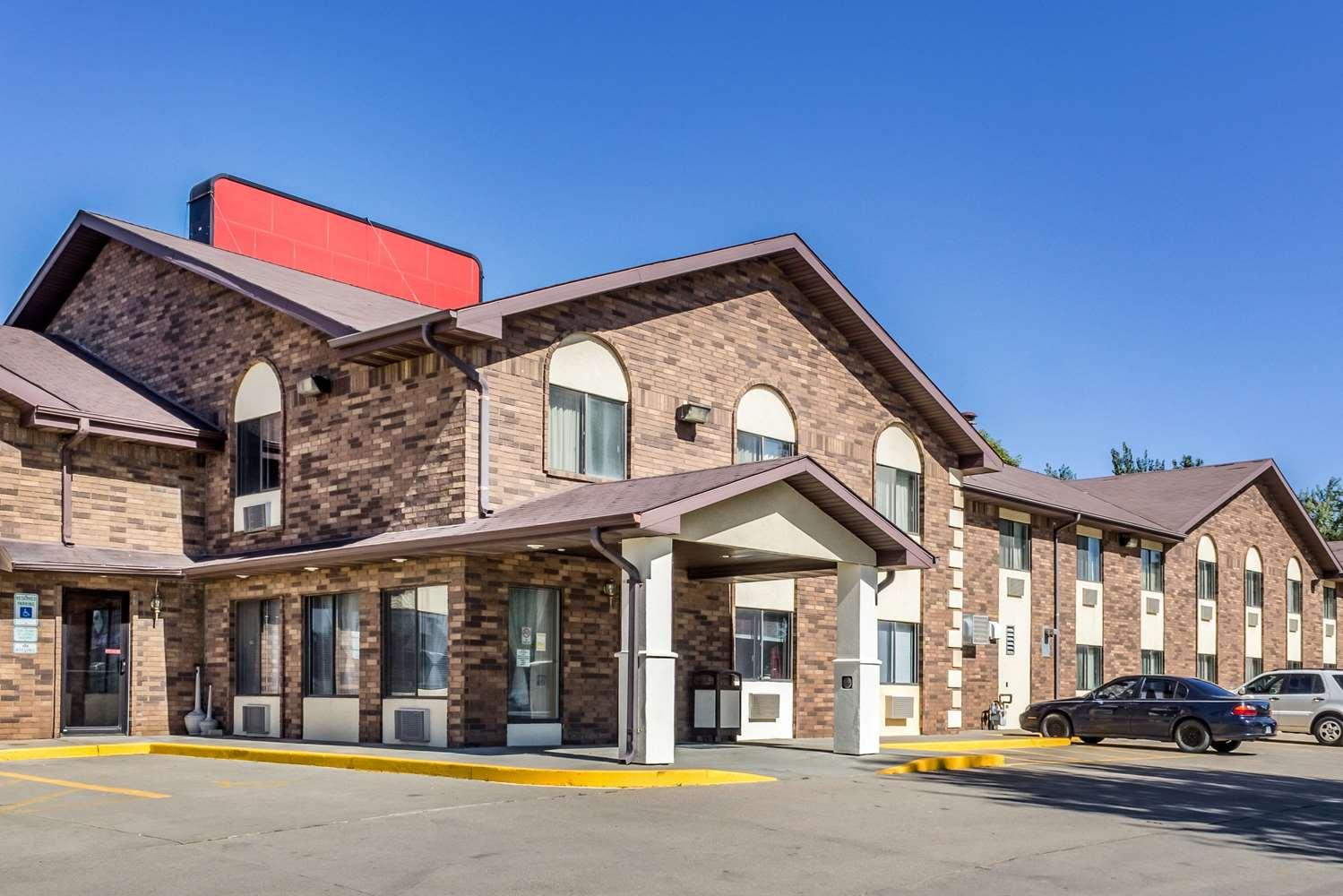 Exterior view - Econo Lodge Sioux Falls