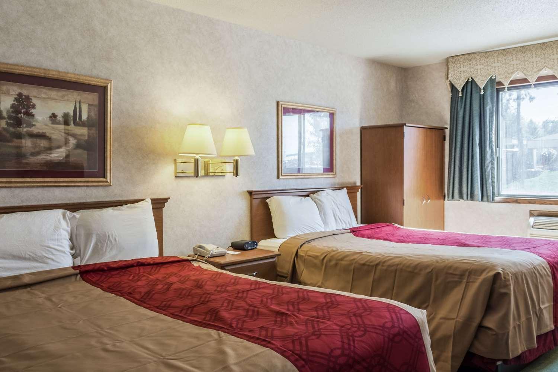 Room - Econo Lodge Sioux Falls
