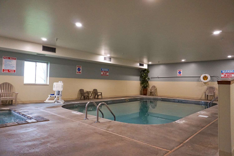 Pool - Quality Inn Watertown