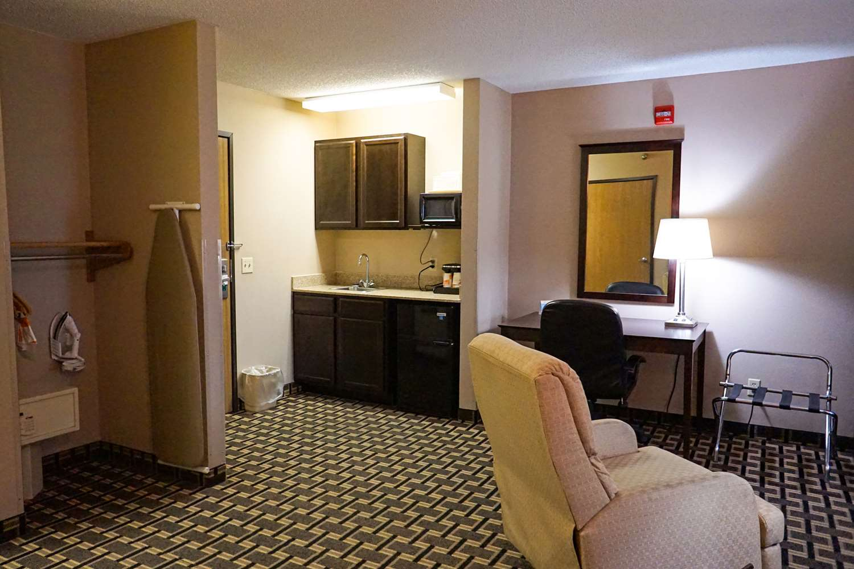 Suite - Quality Inn Watertown