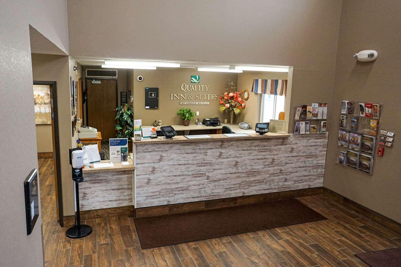 Lobby - Quality Inn Watertown