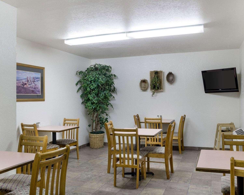 Restaurant - Rodeway Inn Mt Rushmore Memorial Keystone