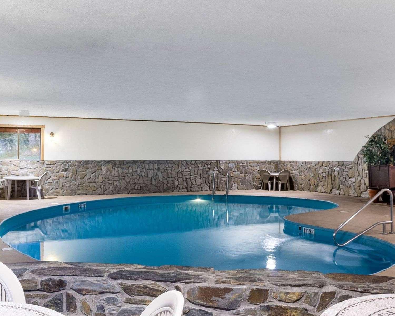 Pool - Rodeway Inn Mt Rushmore Memorial Keystone