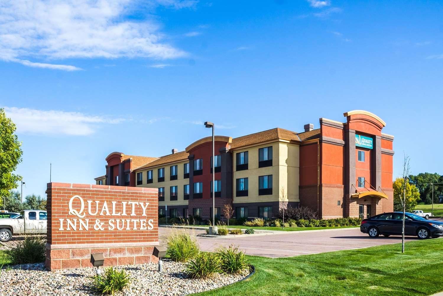 Exterior view - Quality Inn & Suites Sioux Falls
