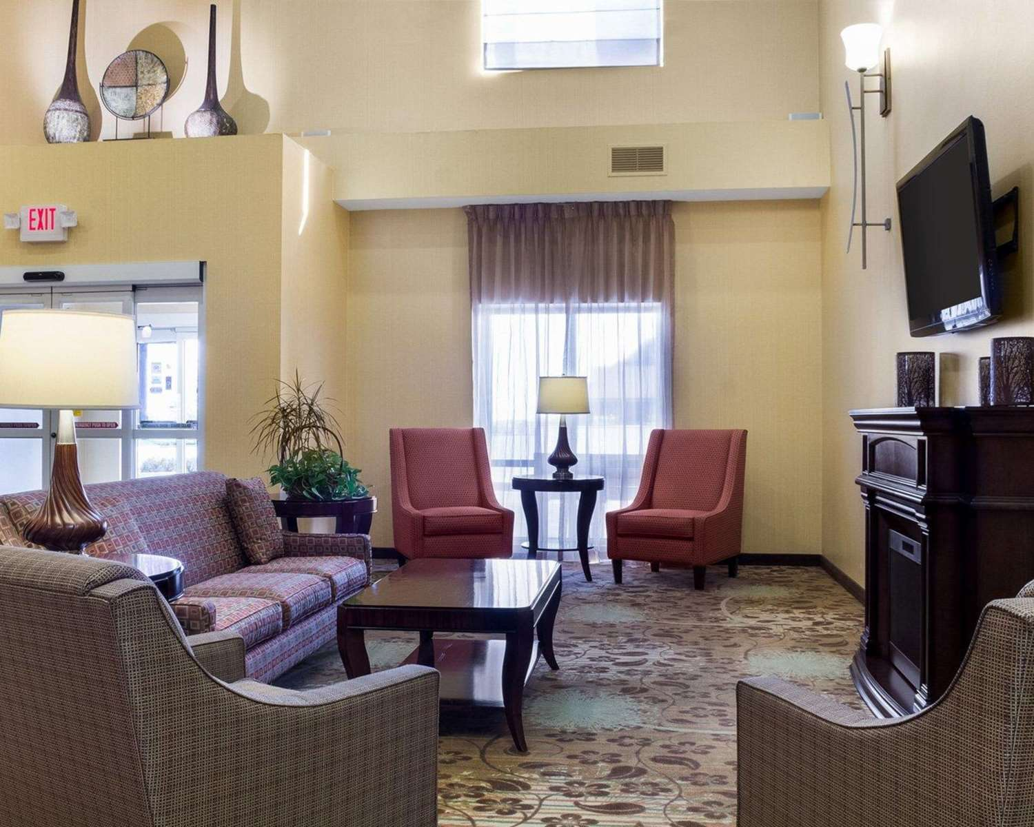 Lobby - Comfort Suites Rapid City
