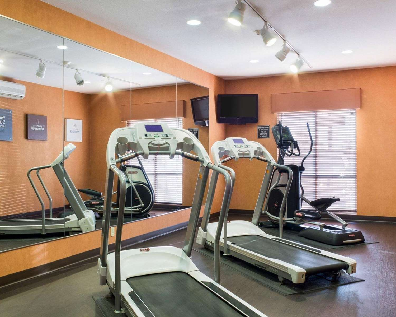 Fitness/ Exercise Room - Comfort Suites Rapid City