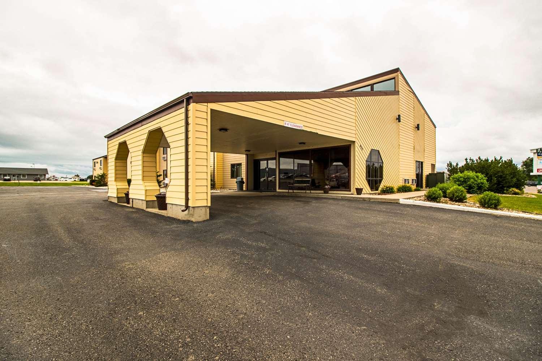 Exterior view - Econo Lodge Watertown