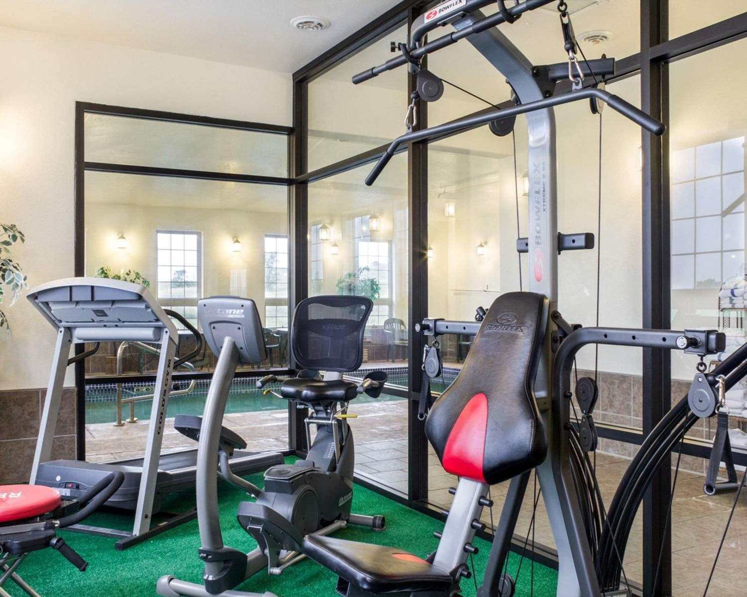 Fitness/ Exercise Room - Quality Inn Oacoma
