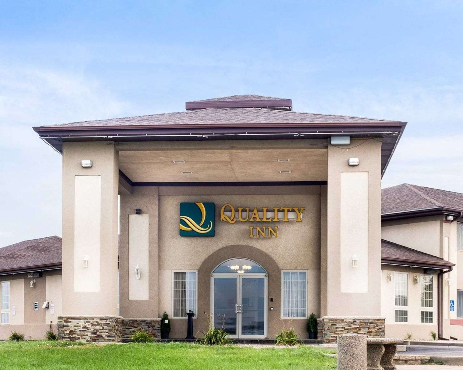 Quality Inn hotel in Oacoma, SD