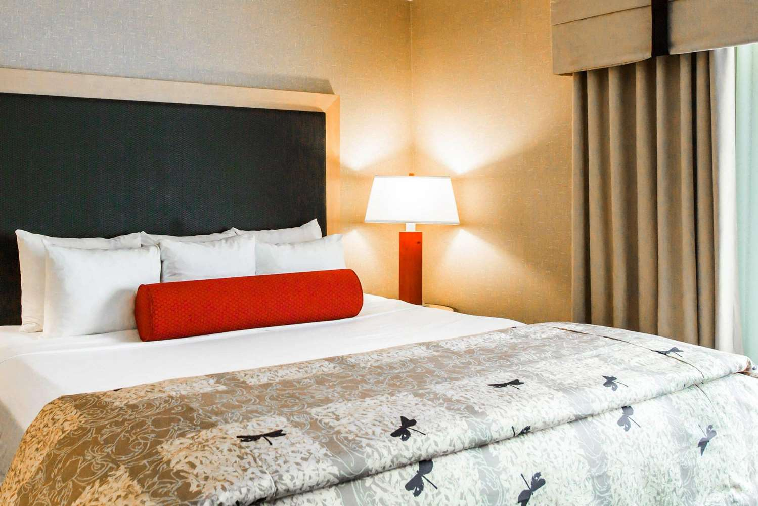 Room - Cambria Suites Rapid City