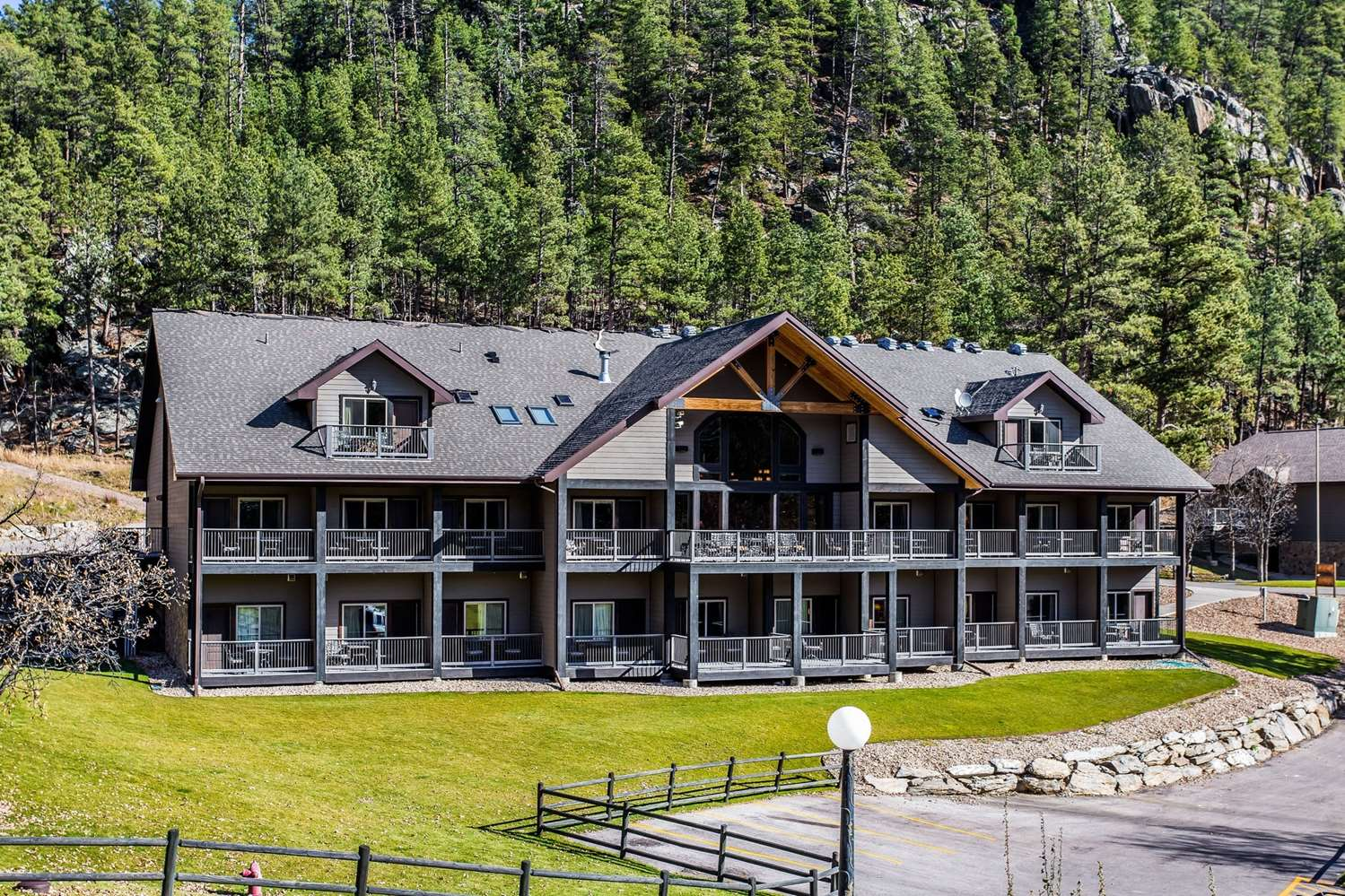 Exterior view - K Bar S Lodge Keystone