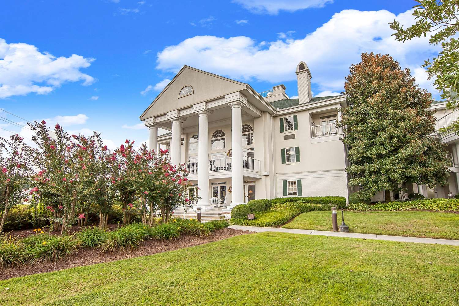Exterior view - Clarion Inn Willow River Sevierville