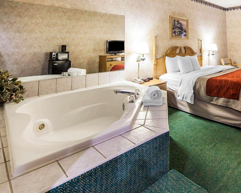 Suite - Comfort Inn Newport