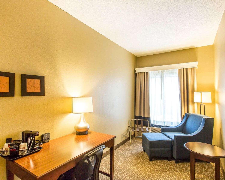 Suite - Comfort Suites Cookeville