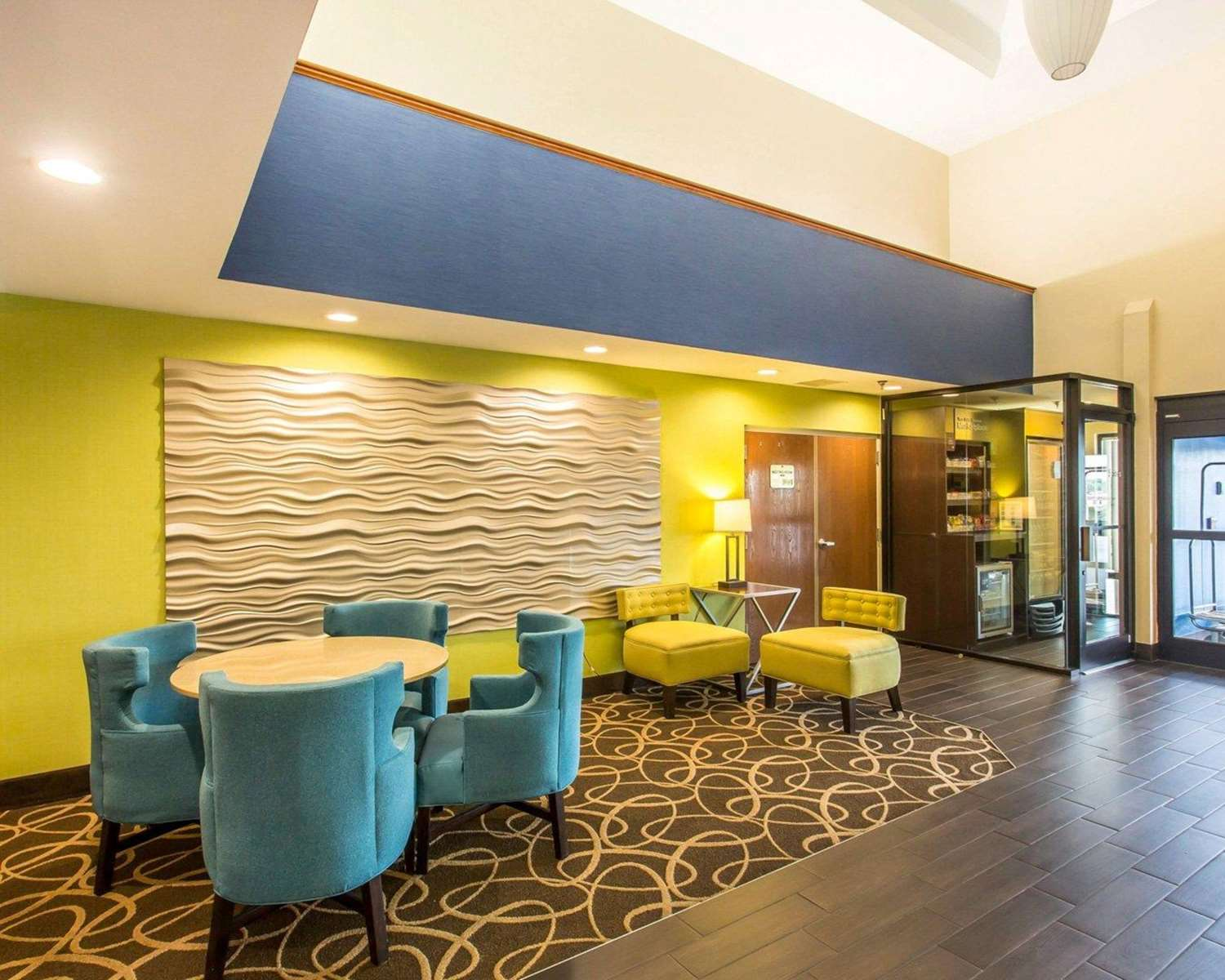 Lobby - Comfort Suites Cookeville