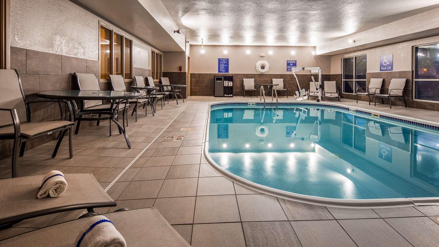 Pool - Best Western Greeley Hotel
