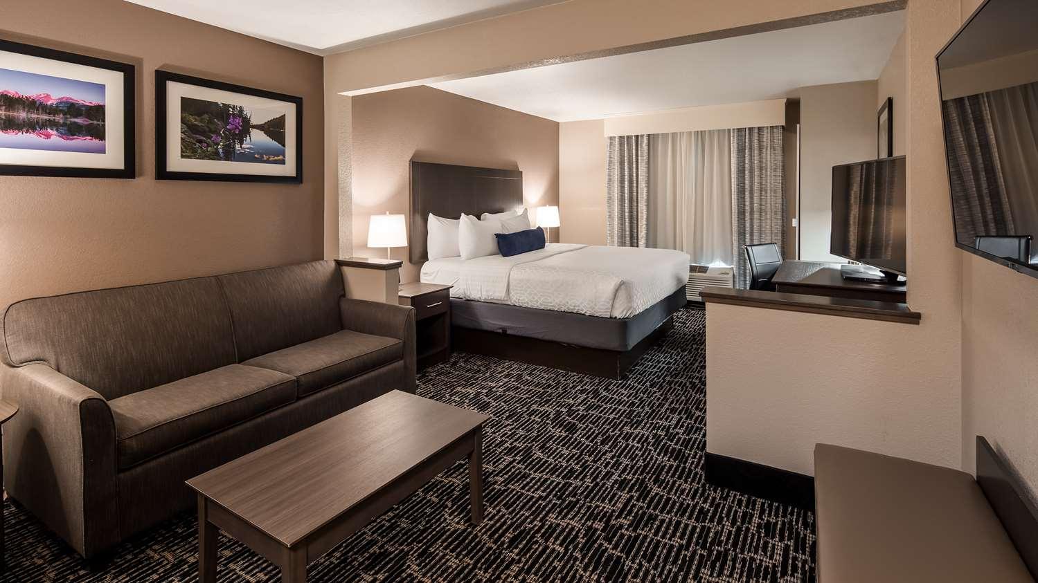 Suite - Best Western Greeley Hotel