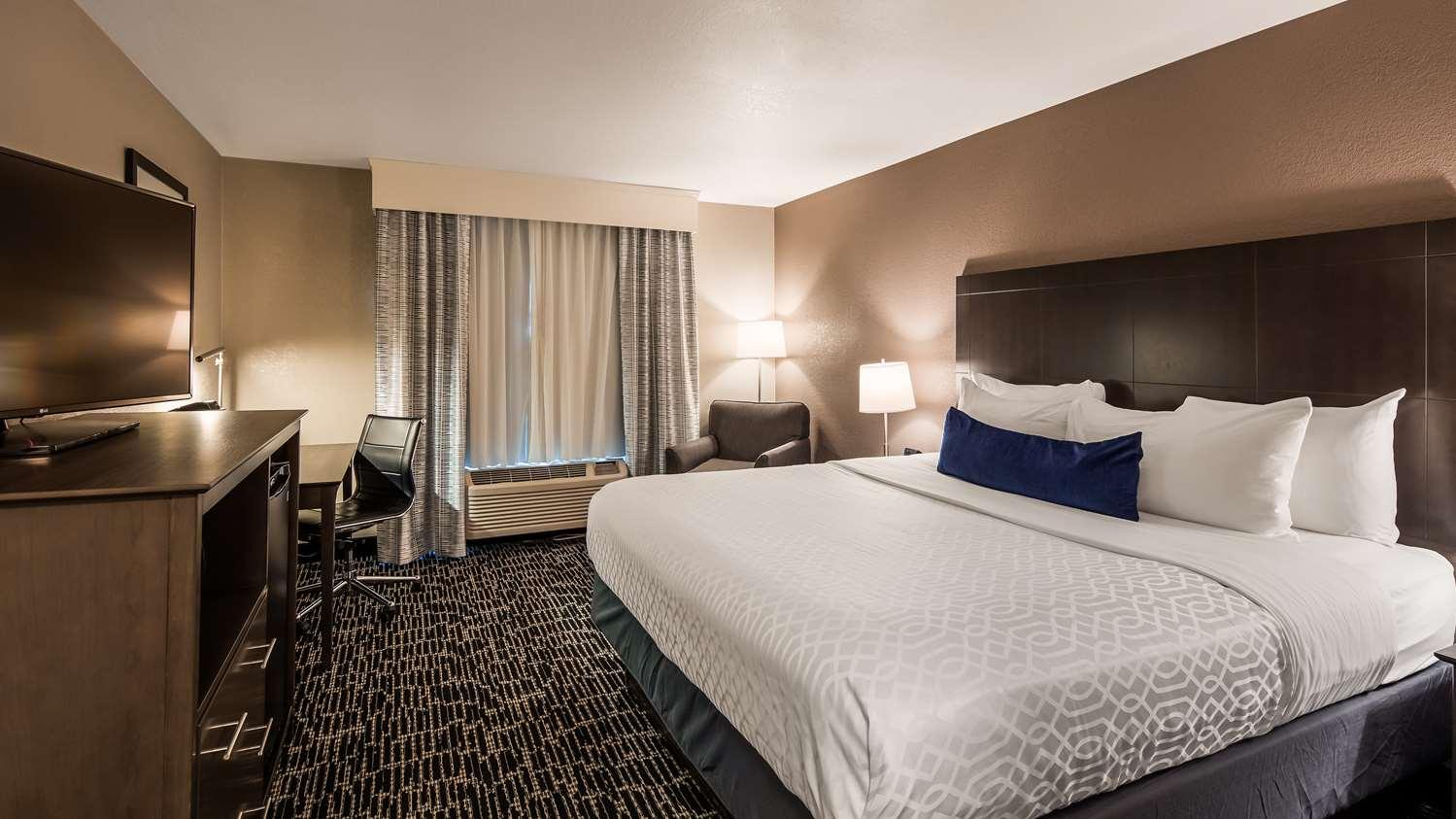 Room - Best Western Greeley Hotel