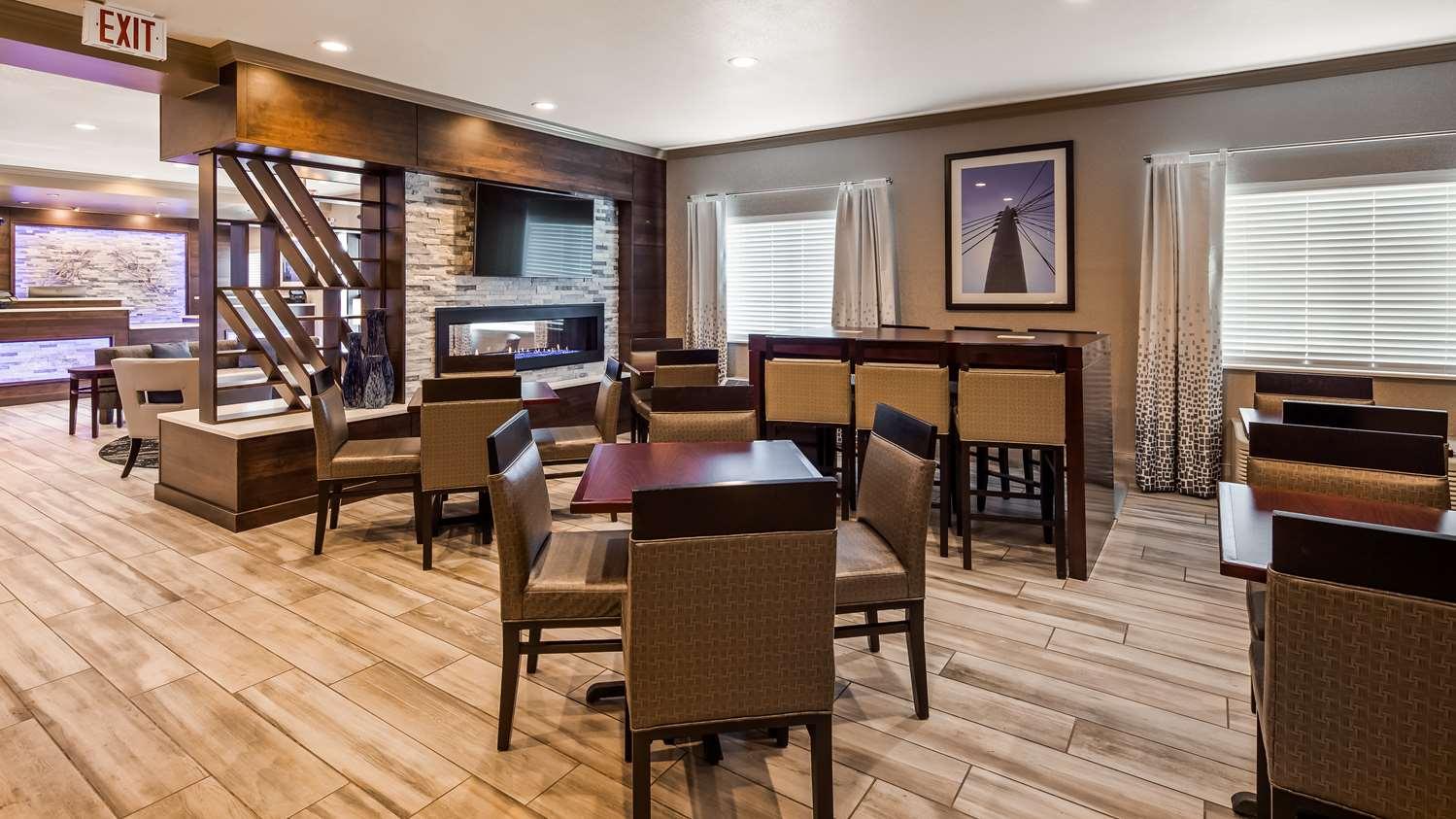 Restaurant - Best Western Greeley Hotel