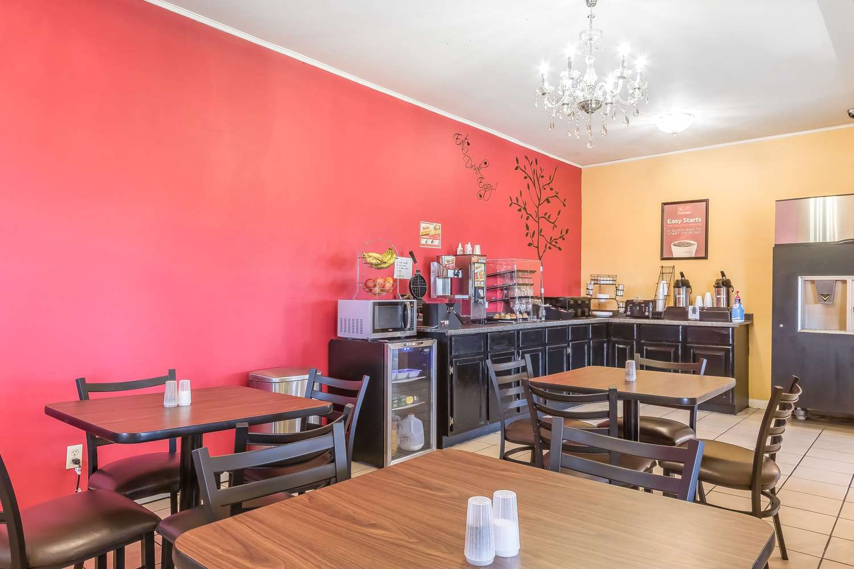 Restaurant - Econo Lodge Martin