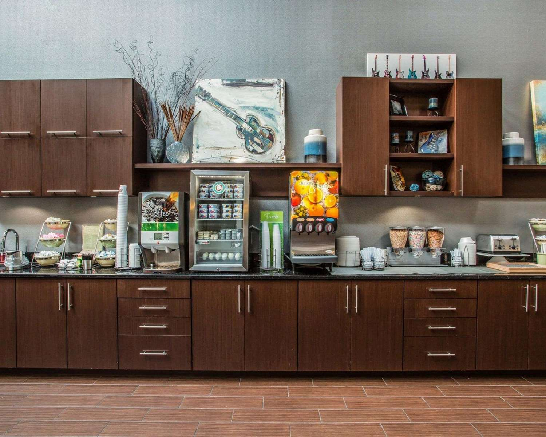 Restaurant - Quality Suites Airport Nashville