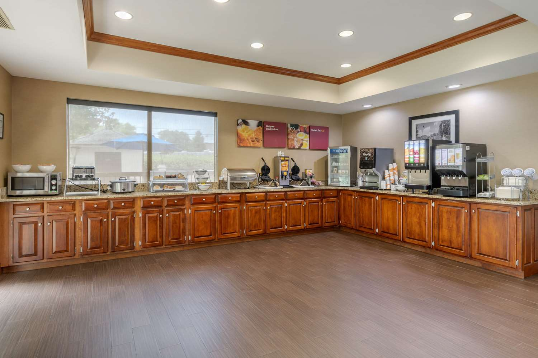 Restaurant - Comfort Suites Johnson City