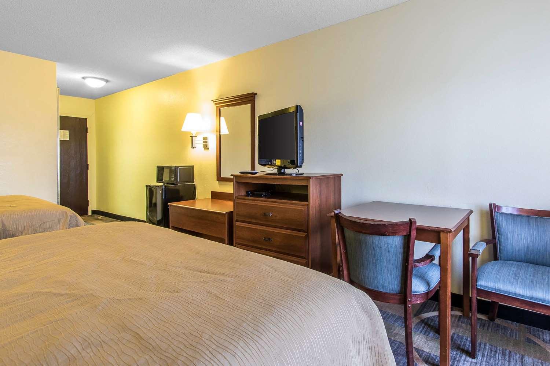 Quality Inn Amp Suites Memphis Tn See Discounts