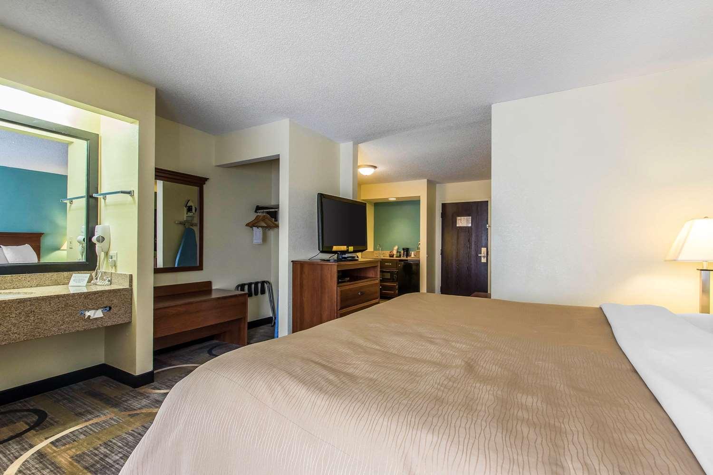 Quality Inn Suites Memphis TN