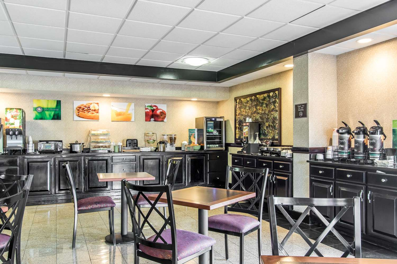 Restaurant - Quality Inn & Suites Memphis