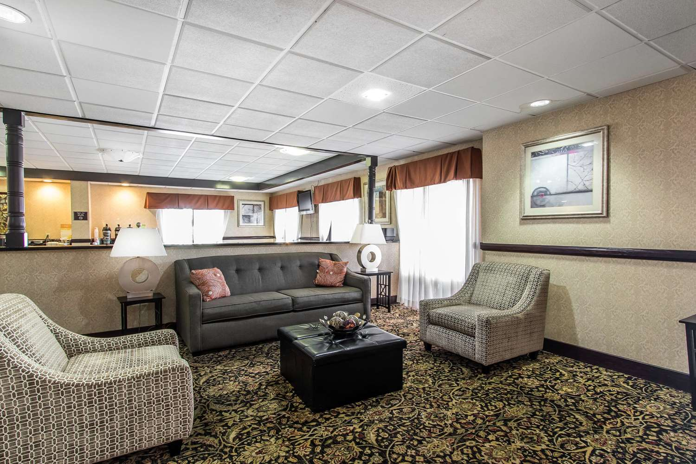 Lobby - Quality Inn & Suites Memphis