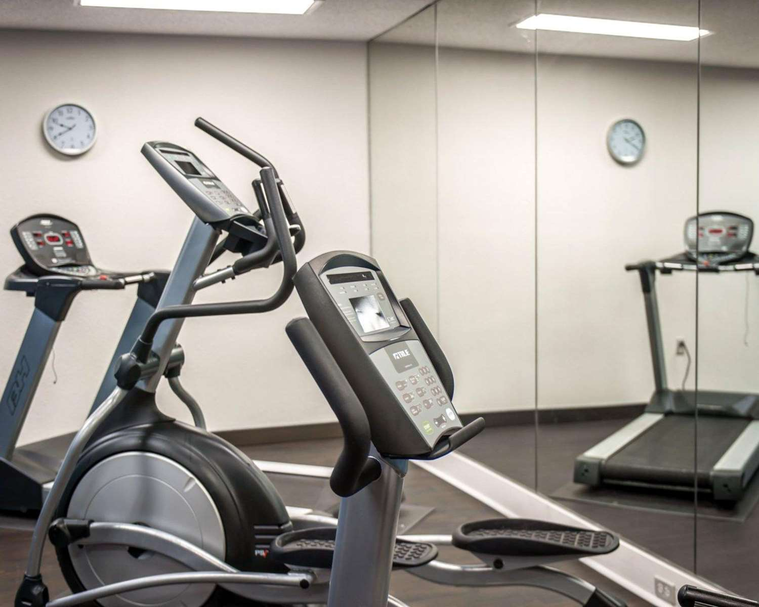 Fitness/ Exercise Room - Comfort Suites Airport Nashville