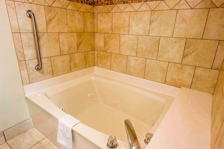 Suite - Quality Inn & Suites Germantown