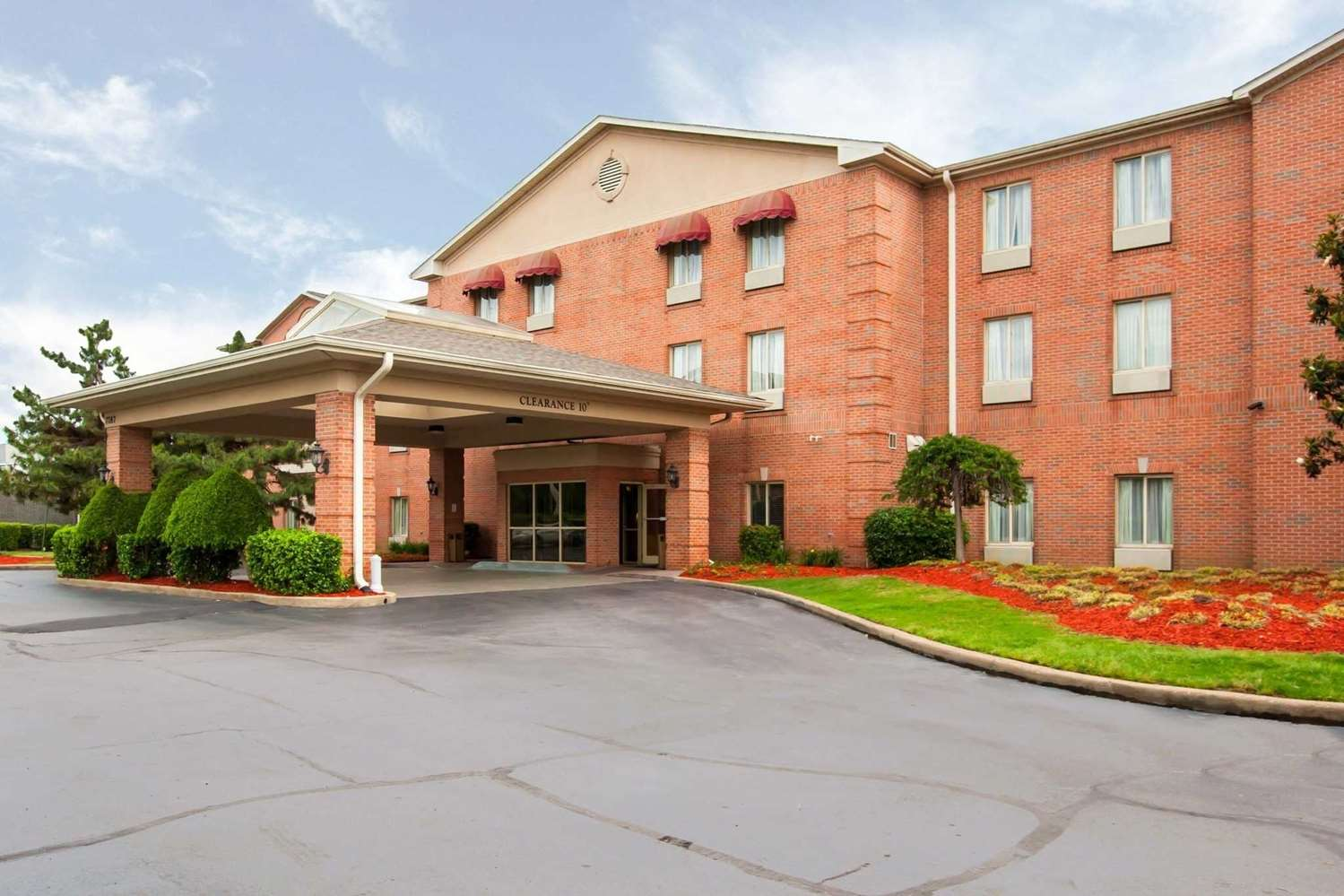 Exterior view - Quality Inn & Suites Germantown