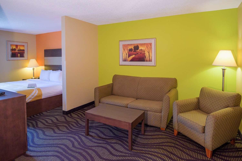 Suite - Quality Inn Cordova