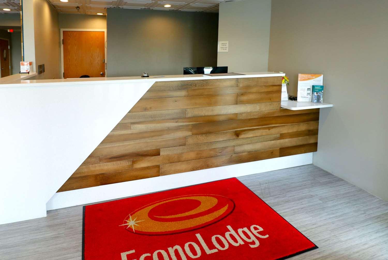 Lobby - Econo Lodge Sevierville
