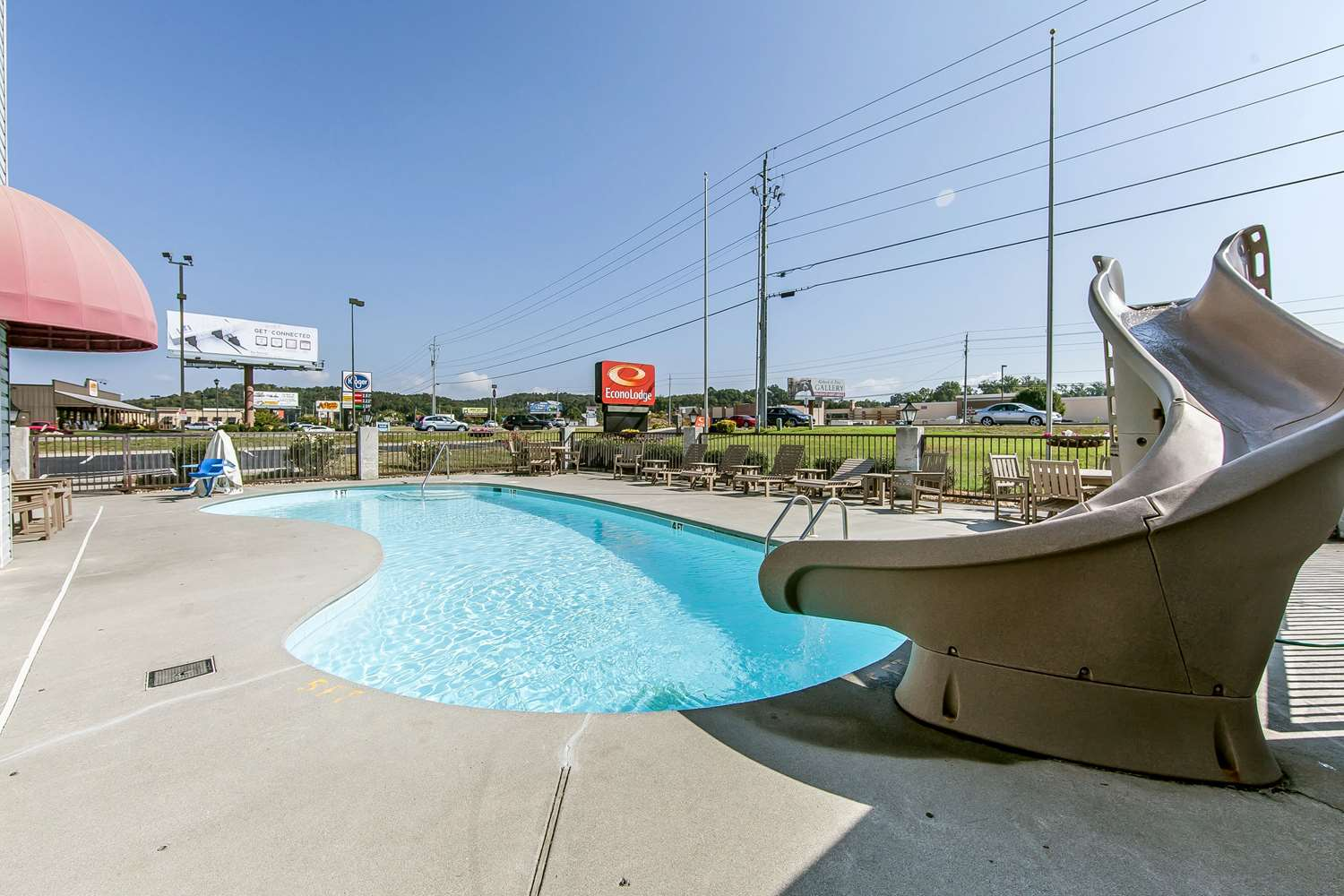 Pool - Econo Lodge Sevierville
