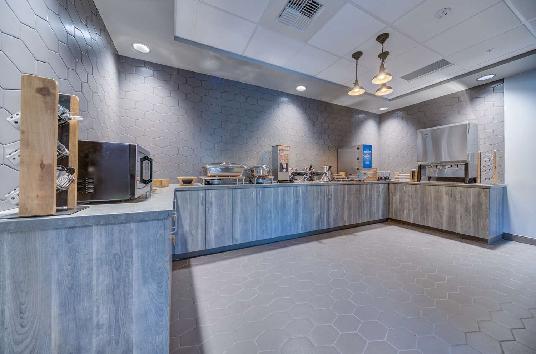 Restaurant - Best Western Premier Peppertree Inn at Bend